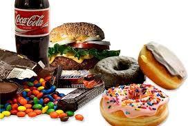 """ShareShare Ongezonde eetgewoonten doen meer dan gewichtstoename in de hand werken en je energie ondermijnen. Ze verouderen je van binnenuit en trekken jaren van je leven af.""""Slechte eetgewoonten zijn als het dagelijks oproepen van het sloopteam. Verouderen is geen passief proces, zoals we ooit dachten. De voeding die je eet, bepaalt in welke mate je …Share"""