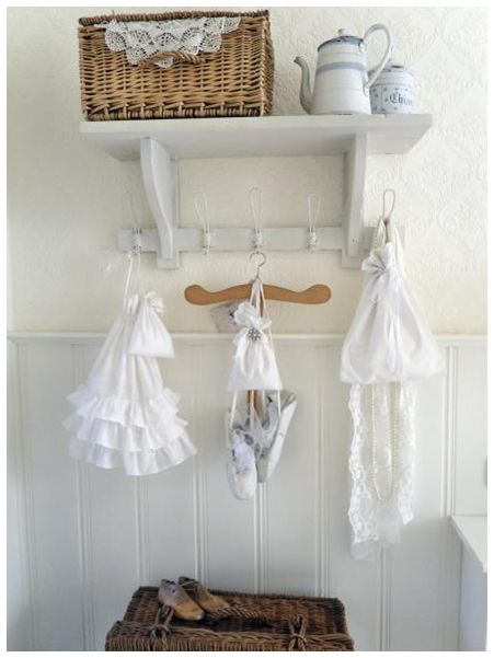 shabby chic bathroom ideai will use a basket like this in my