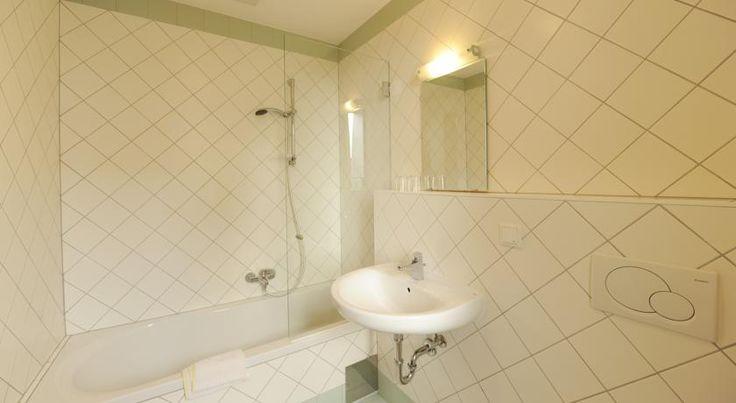 Zum goldenen Engel - Fam. Ehrenreich - 3 Star Hotel - NZD 77, Krems an der Donau Austria | 10