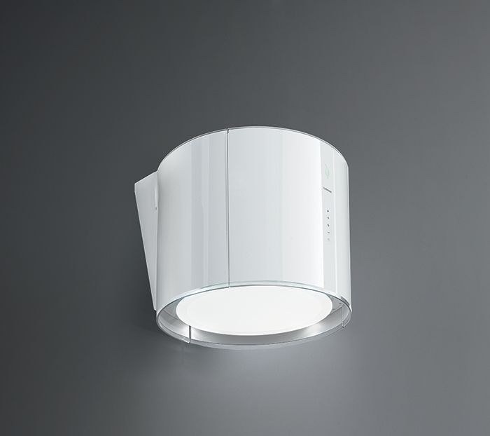 Eolo E.ion white. A cookerhood covered in glass that will sanitise your home environment. Falmec: go with the wind.