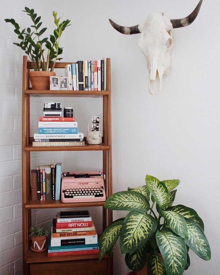 instagram @newdarlings - boho/midcentury home