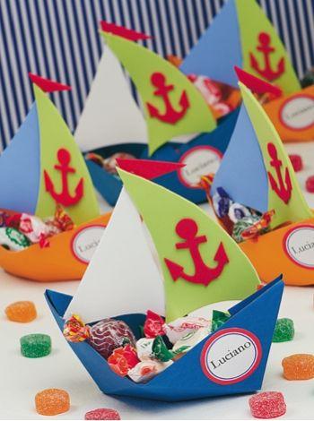 Souvenirs Barco - Goma eva   Ideas para festejar un cumpleaños divertido, compra ya las instrucciones en www.eviadigital.com y empeza de inmediato a trabajar en tu proyecto.