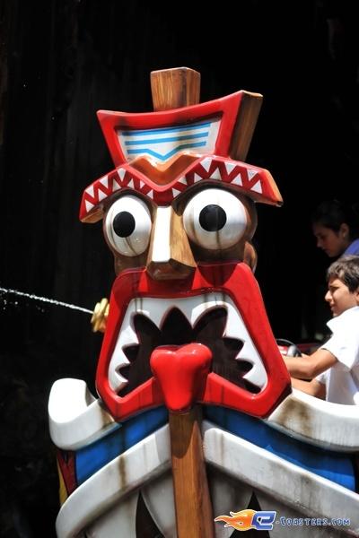 9/13 | Photo de l'attraction Raratonga située à Mirabilandia (Italie). Plus d'information sur notre site http://www.e-coasters.com !! Tous les meilleurs Parcs d'Attractions sur un seul site web !!