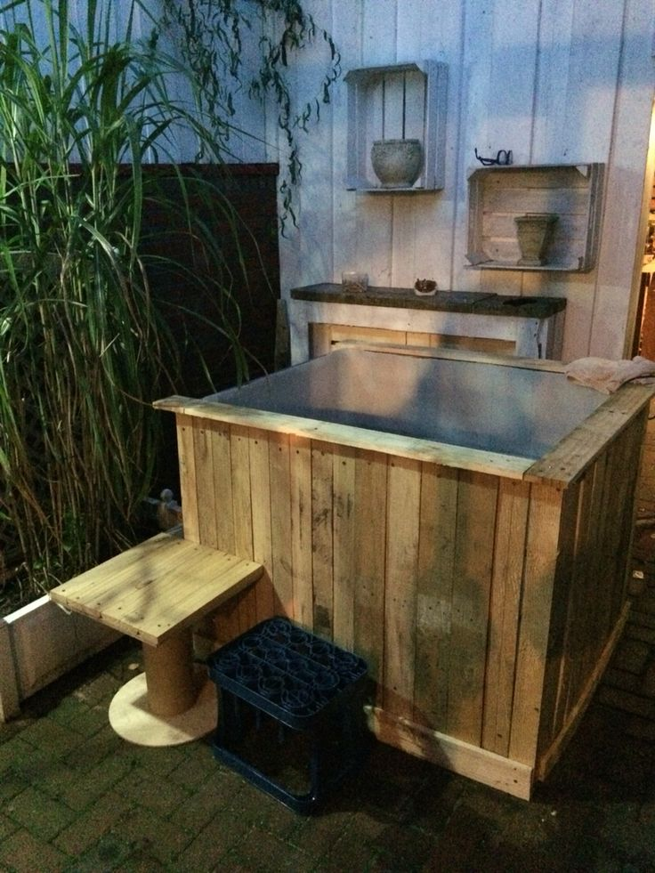 Ibc pool ibc container verlustpaletten paletten chabby pinterest hot tubs tubs and backyard - Swimmingpool aus paletten ...