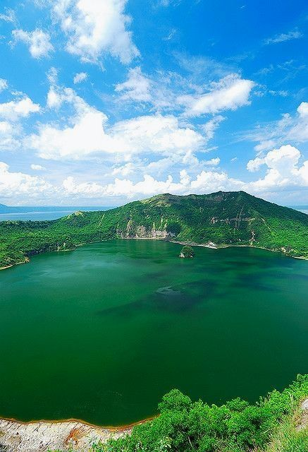 taal lake luzon philippines travel philippines log your