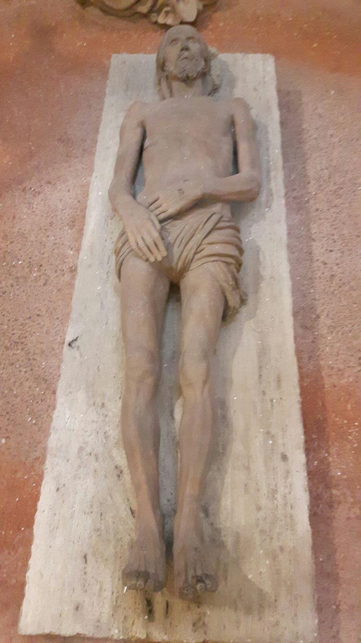 Cappella del Santo Sepolcro in Sant'Anna dei Lombardi.  Compianto del 1492