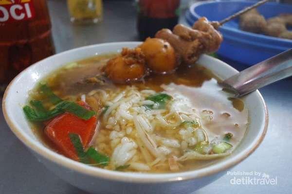 Wisata Kuliner Soto Khas Semarang Buat Makan Siang - http://darwinchai.com/traveling/wisata-kuliner-soto-khas-semarang-buat-makan-siang/