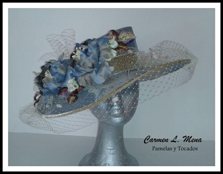 Sombrero en seda con flores artesanales