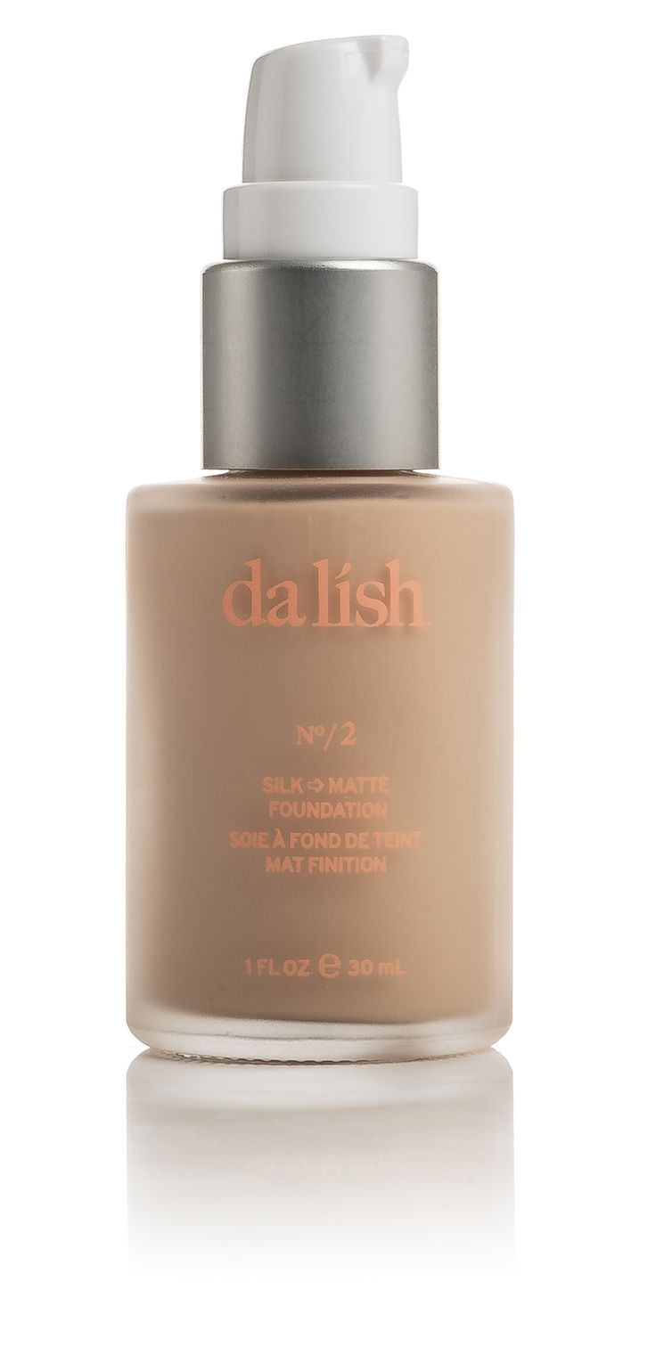 This long-wear foundation starts out silky smooth—best applied using your fingers—and dries to a radiant matte finish. Light coverage ensures a natural-looking result, yet the buildable formula evens tone where you need it, for a perfect, cake-free base. Sunflower seed oil, rich in Vitamins A, D, and E, moisturizes, calms and protects skin without clogging pores. Shade FO2 - See more at: http://www.dalishcosmetics.com/product/silk-to-matte-foundation-75-natural#sthash.oArKXrWB.dpuf