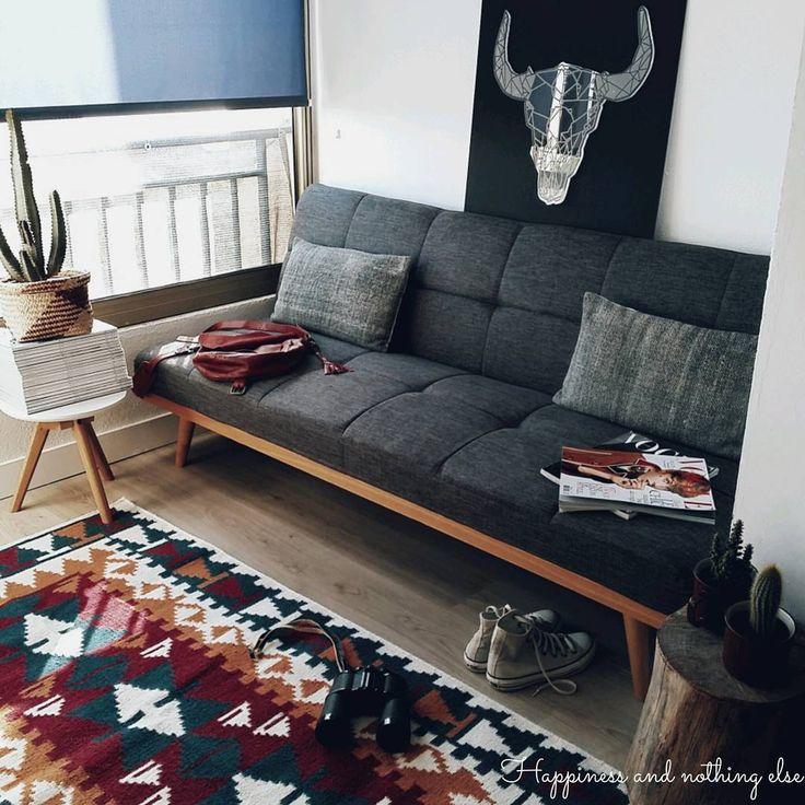 H.O.M.E    #home #homesweethome #decoration #deco #nouveau #tapis #ethnique #monoprix #newco #banquette #conforama #clicclac #cactus #cactusaddict #cactuslover #austinlecactus #houssedecoussin #sostrenegrene #sac #bordeaux #liedevin #ikks #tetedebuffle #graphicomcorse #apresmidi #libre #converse #jumelles