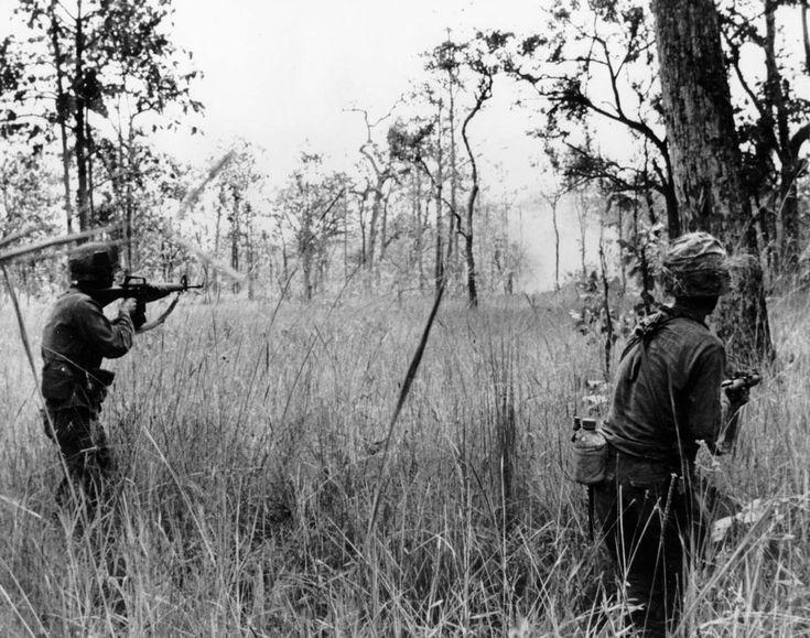 IA Drang Valley Battles 1965 | File:Battle of Ia Drang Valley LZ X-Ray 1965.jpg - Wikimedia Commons