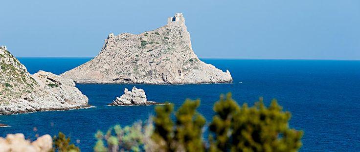 Marettimo, una delle perle del Mediterrano, al centro della Riserva marina più grande d'Europa.