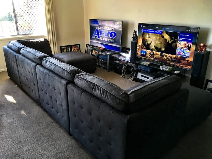 best 25 gaming setup ideas on pinterest pc gaming setup gaming computer desk and computer setup. Black Bedroom Furniture Sets. Home Design Ideas
