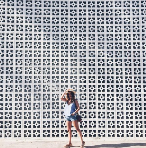 Mid Century Walls ❤️❤️ #collageontheroad