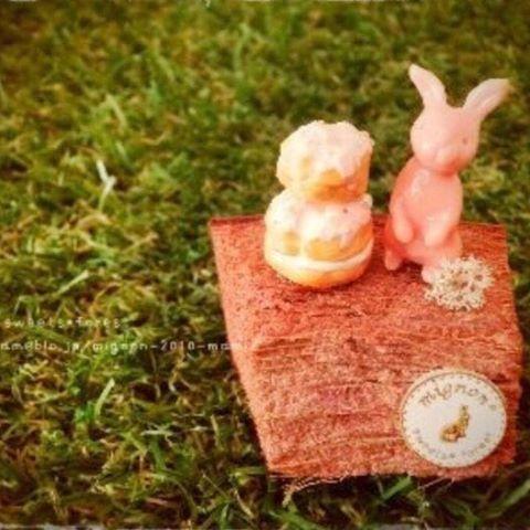 【mignon.sweets.forest】さんのInstagramをピンしています。 《* * カップケーキ・*:.。❁ * #ハンドメイド #handmade #粘土細工 #粘土 #フェイクスイーツ #スイーツ #Sweets #食べられないお菓子 #作品集  #ルリジューズ #ストロベリー #ドライ #樹脂粘土 #手作り #森 #うさぎ #rabbit #ナチュラル雑貨 #インテリア雑貨 #natural  #ノスタルジック》