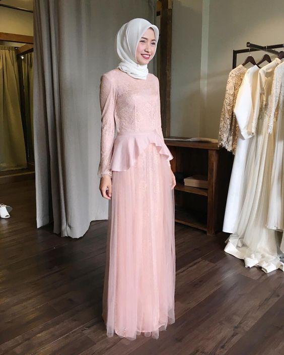 45 Model Gaun Pesta Modern Muslim 2019 Paling Populer Model Baju
