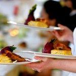 VorspeiseBeilagensalatkleiner gemischter Salat€1,90SpargelcremeAus frischem deutschen Spargel €3.90Strammer MaxBauernbrot mit Schinken und Ei€4.90HauptgangPan. Schnitzelmit Pommes€6.90Pan. Schnitzelmit Spargel und Kartoffeln€11.90Ofenkartoffelmit Lachsstreifen€8,90Spaghettimit frisch gegrilltem Gemüse€5,90Schweinebratenmit Spätzle €6,90DessrtTiramisuital. Klassiker€3,20Panna CottaErdbeer€3,50