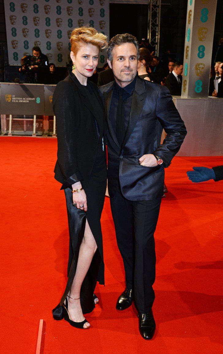 Pin for Later: Die Stars feiern bei den BAFTA Awards in London Mark Ruffalo und Sunrise Coigney