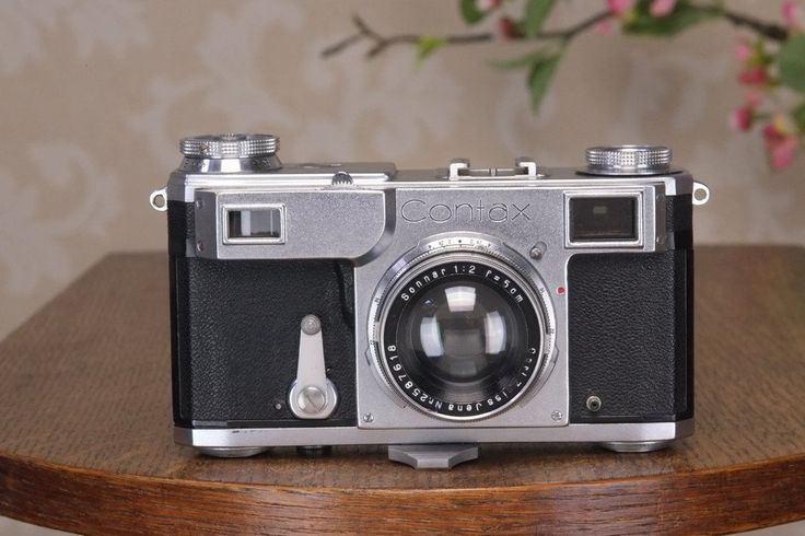 SUPERB! 1941 Zeiss Ikon Contax II,with a Carl Zeiss 2.0/50mm lens, Freshly Serviced, Ready for immediate use!