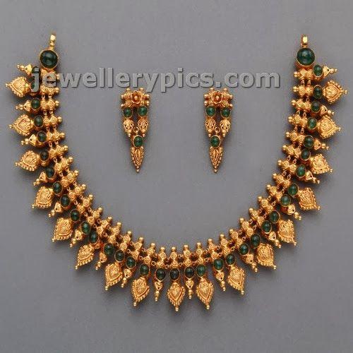 Mangatrai Short temple necklace designs - Latest Jewellery Designs