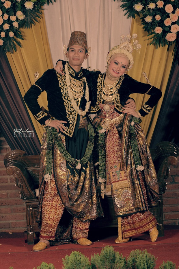 "streethijab: Traditional ""Javanese"" Muslim Wedding"