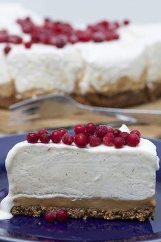 Frusen cheesecake på kola & pepparkaksbotten | Bakverk och Fikastunder
