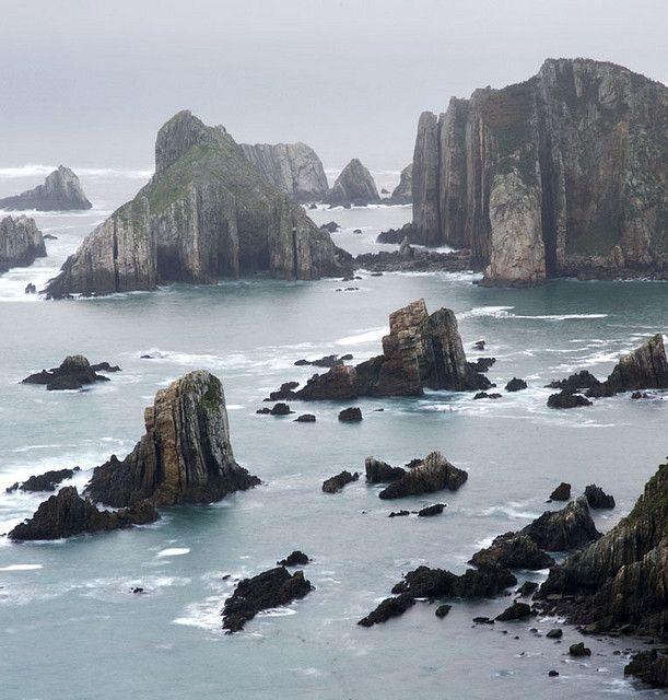 Playa del Silencio, Asturias, Spain #reservaplayas.   www.elfarodeasturias.com