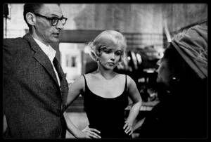 """1952-61 / UNE ALLIEE POUR MARILYN / Louella PARSONS / Date de naissance : 6 août 1881, à Freeport, Illinois.  Date de décès : 9 décembre 1972, à Santa Monica, Californie. Exercice : journaliste, chroniqueuse au """"Herald Examiner"""" (appartenant au groupe """"Hearst""""). Sa chronique faisait autorité à Hollywood. Elle fut l'une des plus grandes alliées de Marilyn, et sans doute la chroniqueuse la plus influente de l'industrie du cinéma- titre que sa rivale, Hedda HOPPER, aurait certainement contesté…"""