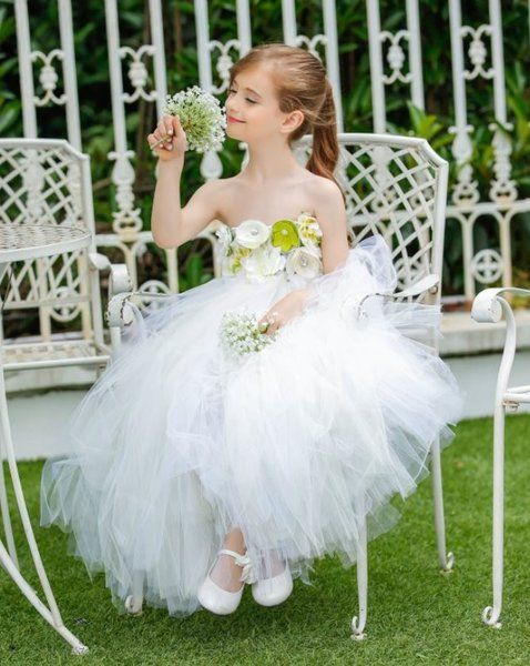 Flower girl wedding dress up games