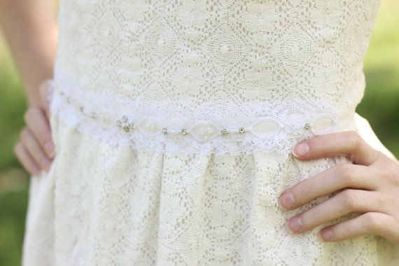 A bridal lace sash - created using white lace applique from 1960s. It is in a great condition. It is a English style lace but it comes from the US.