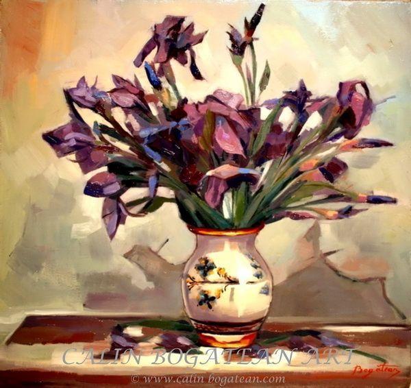 Iriși mov Stânjenei violeți  pictură în ulei pe pânză natură statică tablou realist pictură hiperrealistă lucrare originală de artă pictată de pictorul profesionist Călin Bogătean membru al Uniunii Artiștilor Plastici Profesioniști din România.  Picturi cu flori tablouri florale flori pictate pe panza natură moartă pe pânză natură statică picturi flori