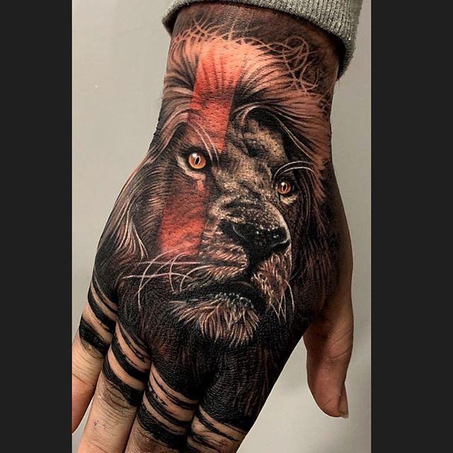 Awesome Lion Hand Tat Lion Head Tattoos Lion Hand Tattoo Hand Tattoos For Guys