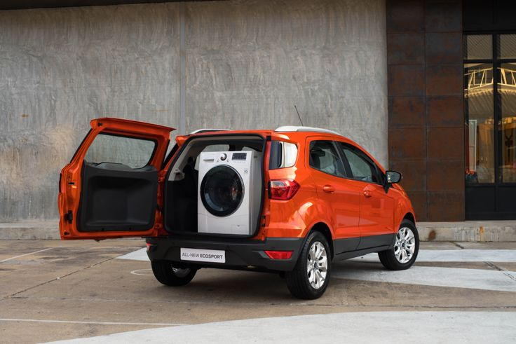 The Ford EcoSport - excellent for transporting large loads, like a washing machine! #EcoSportDrive - Follow the link to read my review http://jennievickers.wordpress.com/2014/03/25/ford-ecosport-review/ #EcoSport #EcoSportDrive #Ford #JennieVickers #Zeopard #CX #CustomerExperience