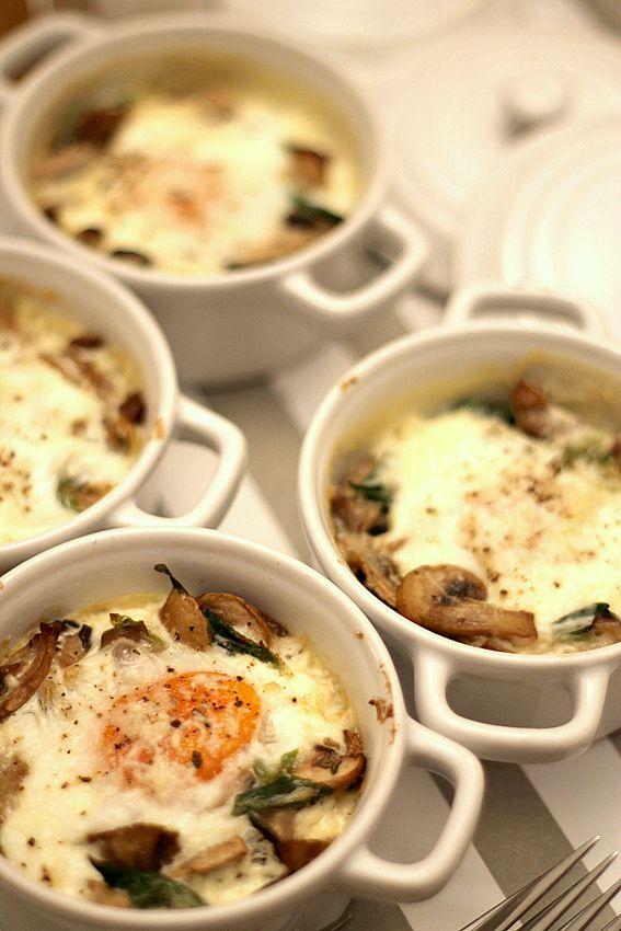 Huevos al horno con setas