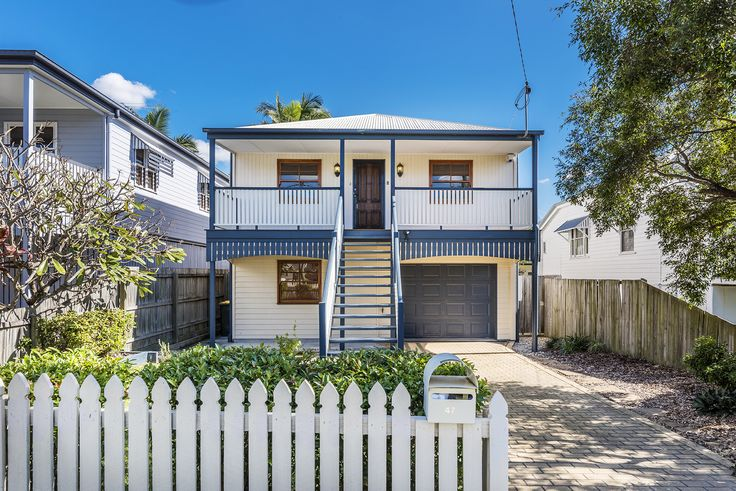 "CANNON HILL 47 Muir Street...Offering sensational family lifestyle across two spacious levels, this impressive dual living residence is the perfect ""home sweet home"" for those seeking space and convenience."