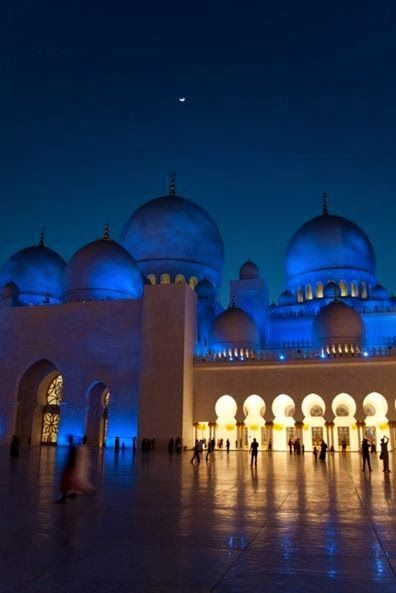 Sheikh Zayed Grand Mosque, Abu Dhabi, UAE I will for sure see this beauty in person before I die.