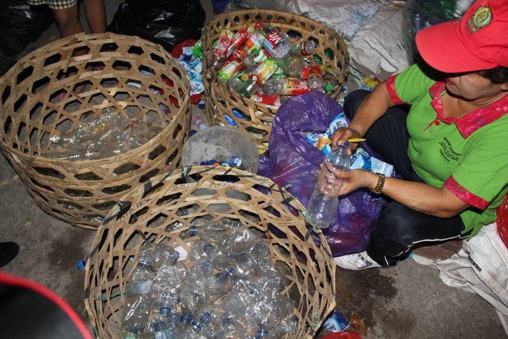 Casi el 80% de estos materiales han acabado en los basureros o el medio ambienteDesde que empezara la producción masiva de plásticos, en los años cincuenta, los humanos han generado 8.300 millones de …