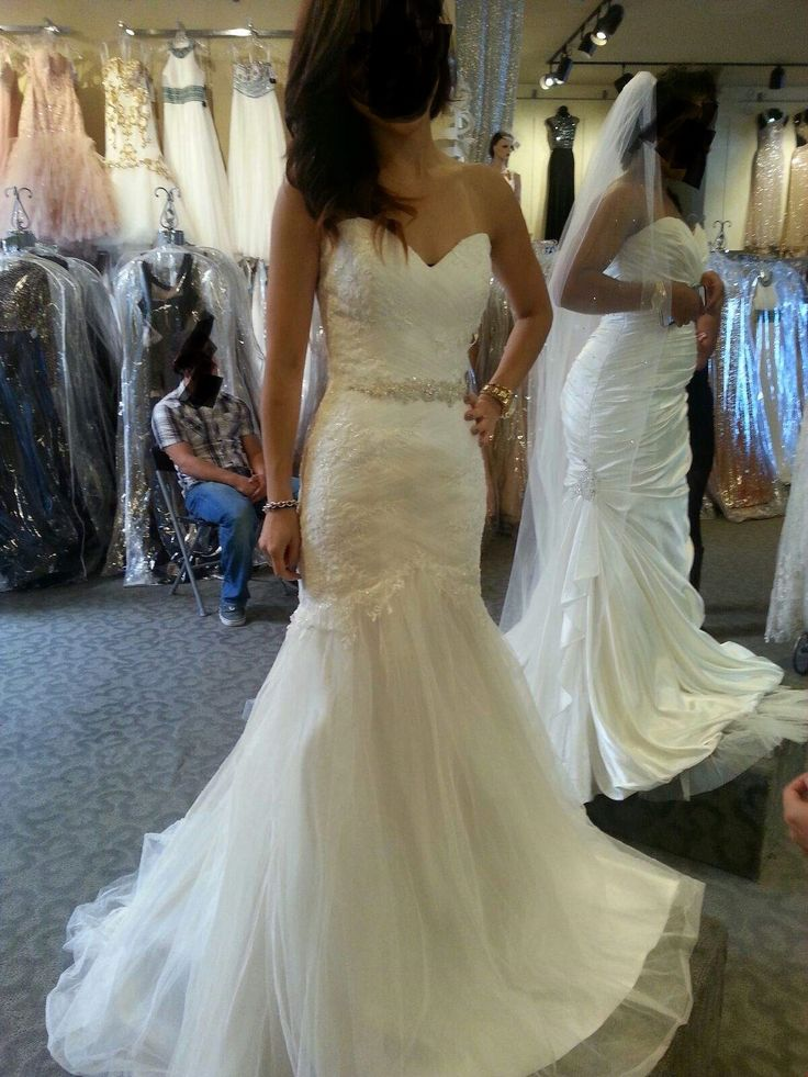 Petite brides show me your trumpet/fit and flare wedding dress! - Weddingbee