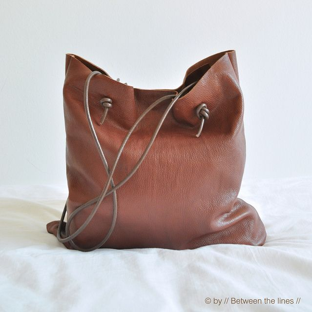 Simple leather bag tutorial by // Between the Lines //