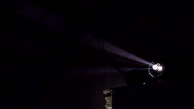 El Silencio, ahora tiene un sonido e imagen. Toque de SNHB en el patio de Latora 4Brazos con visuales de VJ CTRL ZETA + CHAMO de PANORAMIKA. Realizador: Sergio Jara. Editor: Mateo Cadavid  http://panoramika.tv/portfolio/snhb-en-latora-4brazos/