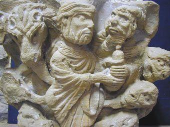 """La Prophétie de Daniel et le """"temps de la fin""""a partie de la prophétie qui a trait au « temps de la fin » démarre au verset 40 du chapitre 11 du Livre de Daniel et se termine à la fin du chapitre 12 (le dernier chapitre). Le verset 40 explique que les forces du Roi du Sud vont commencer par harceler le Roi du Nord, et que celui-ci déferlera alors sur le Roi du Sud avec sa puissante armée.   Il y est écrit : « Au temps de la fin, le Roi du Midi se révoltera contre le Roi du Nord, (allusion…"""