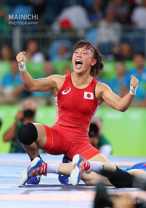 リオ五輪のレスリング女子フリースタイル48キロ級の決勝で、登坂絵莉が終了間際の逆転で勝利し、金メダルを獲得しました。 #リオ2016 #リオ五輪