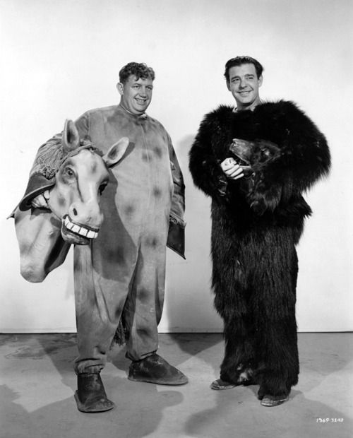 Andy Devine and Lon Chaney Jr. in Ghost Catchers (1944)