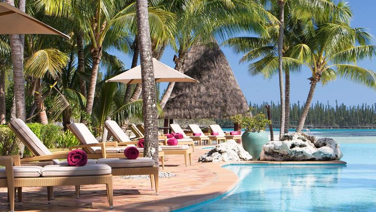 Le Meridien Ile Des Pins - swimming pool and oreo bay
