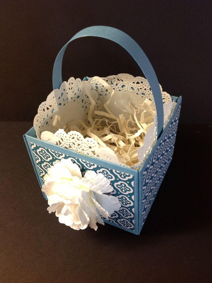 Make boxes with SU's new Envelope Punch Board. Stampinalldaywithbev.blogspot.com