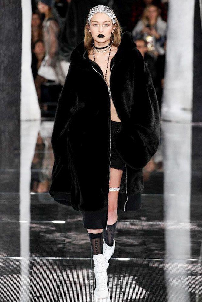 Fenty x Puma Fall 2016 Ready-to-Wear Fashion Show