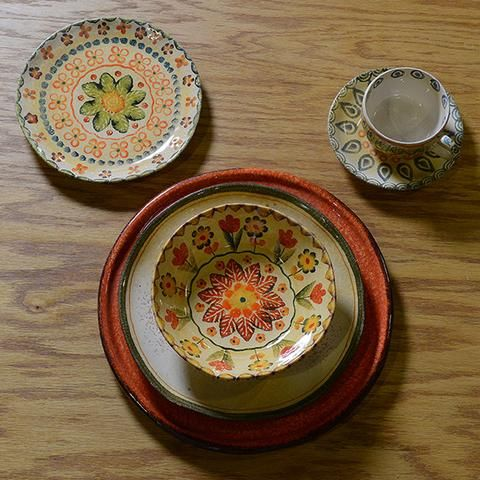 Summertime, picnics and sunflowers are the inspiration for our Summertime Mix and Match. Our Festa Collection is a wonderful transitional collection from Spring through Fall complimented here by our versatile Taormina and Laccata Puro Collections!  Details: Set of five pieces Handmade in Italy Dishwasher Safe Dinnerware Set Includes  Taormina Charger Laccata Dinner Plate Festa Soup Bowl Festa Salad Plate Festa Espresso Cup and Saucer
