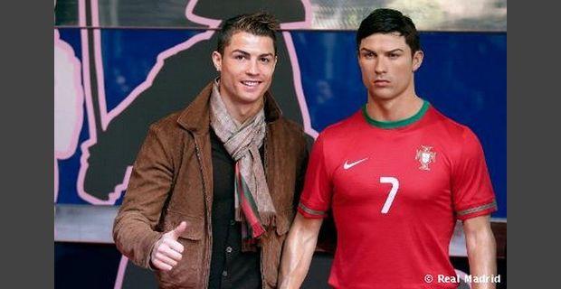 Cristiano Ronaldo em estátua no Museu de Cera de Madrid!