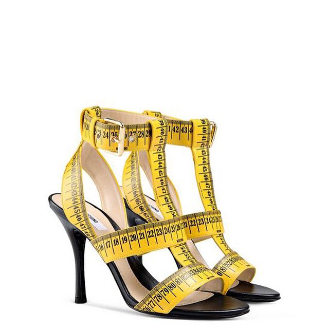 Metro Accessories Moschino New Collection