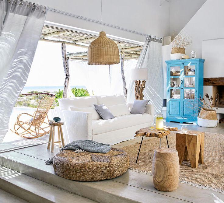 La déco des maisons de vacances nous inspire : du blanc et des matières naturelles qui règnent en force nous font tout doucement glisser vers l'apaisement.